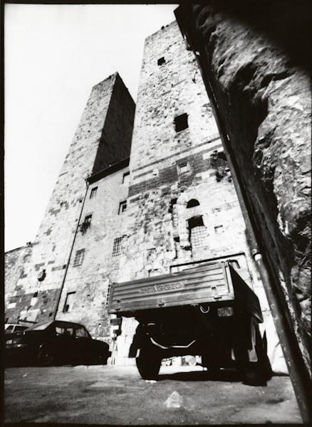 http://rownakbose.ch/files/gimgs/9_19900413-sangimignano-0257.jpg