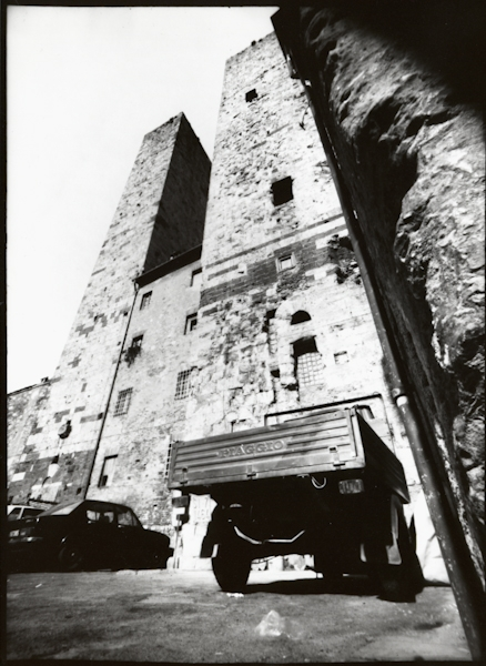 https://rownakbose.ch/files/gimgs/th-9_9_19900413-sangimignano-0257.jpg